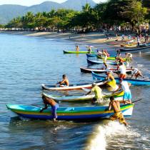 Caiçarada estimula cultura promovendo corrida de canoas neste domingo