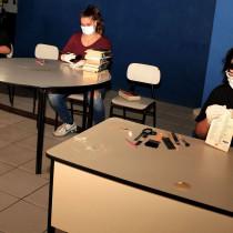 Biblioteca municipal reabre após mutirão para higienização do acervo