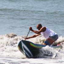 Cultura e esporte: corrida de canoas caiçaras acontece neste domingo em Ubatuba