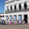 Alunos da rede municipal visitam Espaços Culturais de Ubatuba pela primeira vez
